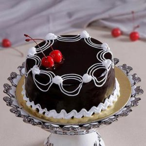 dark-deluxe-chocolate-cake