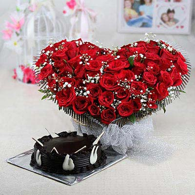 heart-shaped-basket-of-50-red-roses-with-half-kg-round-chocolate-cake-14522-m