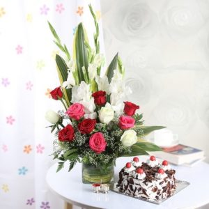 p-mixed-flowers-with-cake-and-roli-chawal-tikka-27177-m